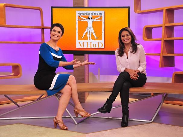 Sandra recebe a atriz Dira Paes (Foto: Globo)