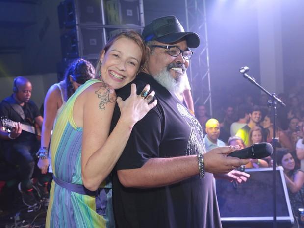 Luana Piovani e Jorge Aragão em festa na Zona Sul do Rio (Foto: Reginaldo Teixeira/ Divulgação)