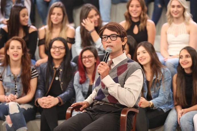 Ed Nerd fala sobra início de 2017 no 'Altas Horas' (Foto: Carol Caminha/Gshow)