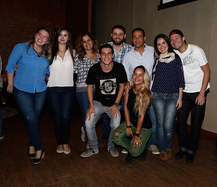 Equipe de produção reunida (Foto: Fábio Rocha/Gshow)
