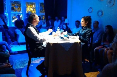 """Karina Barum na peça """"Destempo' (Foto: Divulgação)"""