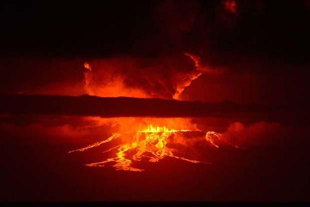 Vulcão Wolf entrou em erupção nesta segunda-feira (25) em Galápagos, no Equador (Foto: Reprodução/ Facebook/ Diego Beto Paredes)