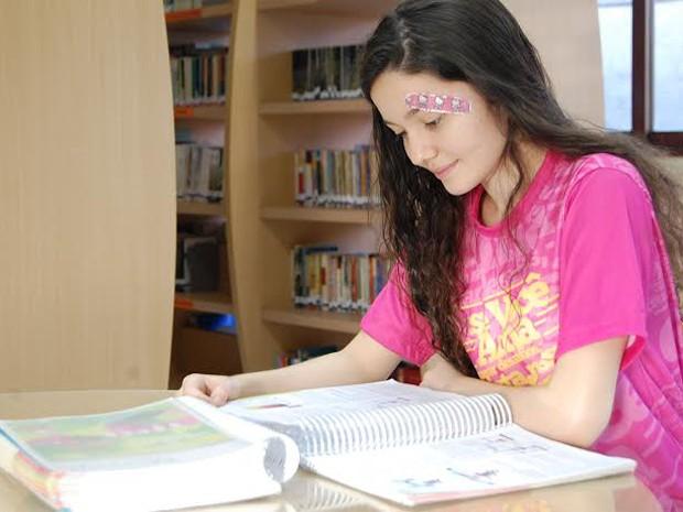 Amanda passou para direito, medicina e aguarda resultado de engenharia elétrica (Foto: Taiguara Rangel/G1)
