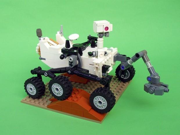 Curiosity na versão Lego, montado por engenheiro mecânico que trabalha na Nasa (Foto: Stephen Pakbaz/Divulgação)