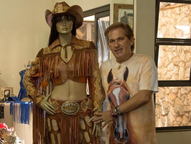 86cfa9d76ae3c Roupas da nova rainha da Festa do Peão de Barretos foram inspiradas em  estilo country (