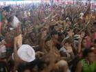 Mangueira festeja título de campeã do carnaval do Rio depois de 13 anos