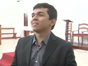 Gabriel Cordeiro teve a ideia de trazer padre surdo para o casório (Foto: Reprodução/TV Amapá)