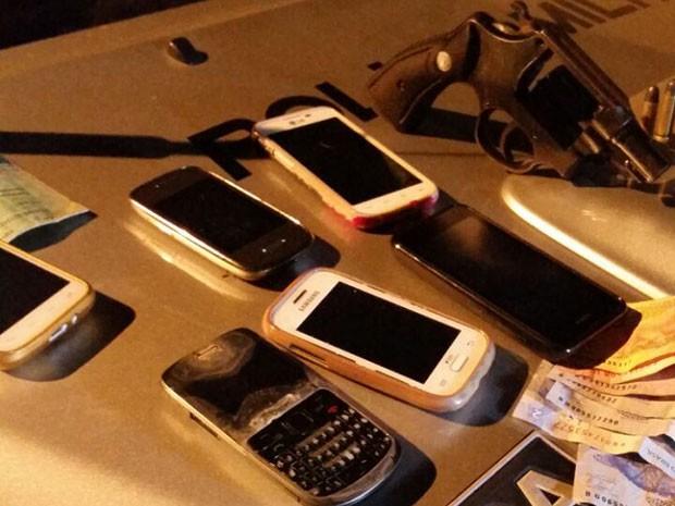 Material encontrado com os suspeitos em Teresina (Foto: Divulgação/Polícia Militar)