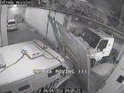 Câmeras registram mega-assalto a empresa de valores em Santos; veja