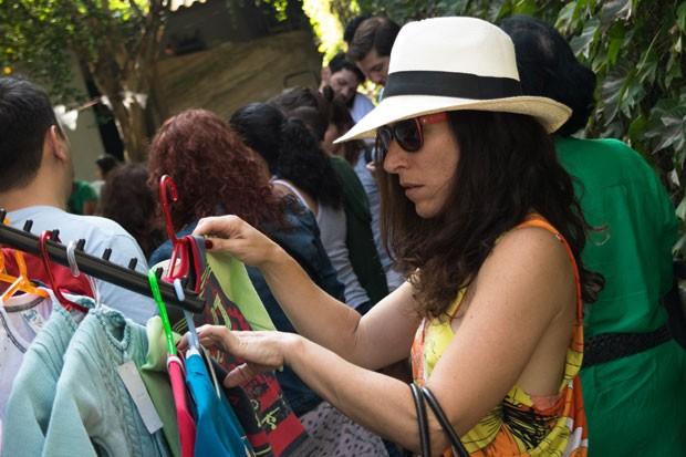 Foto feita na primeira edição do bazar do Adus (Foto: Elizabeth Paik/Adus/Divulgação)