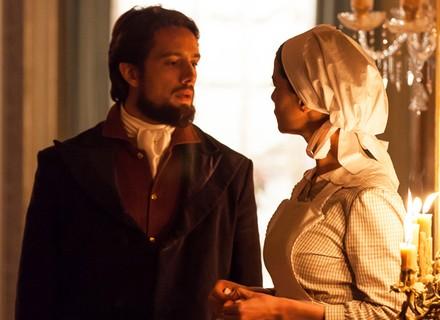 Após pedido de casamento, Felipe e Lívia discutem