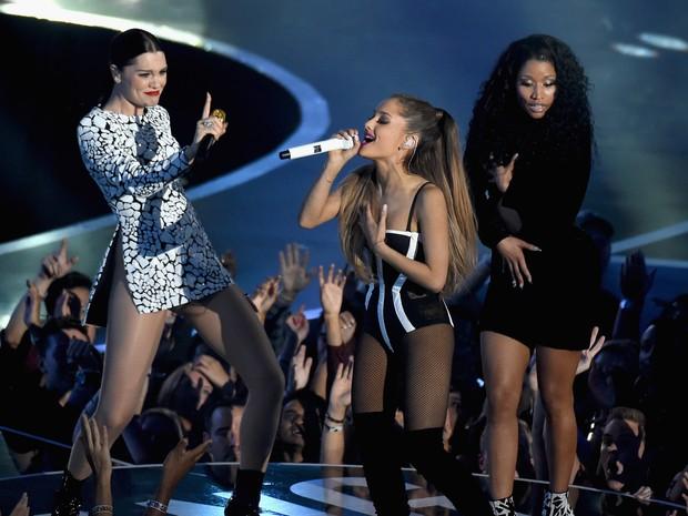 Jessie J, Ariana Grande e Nicki Minaj se apresentam no VMA em Los Angeles, nos Estados Unidos (Foto: Michael Buckner/ Getty Images/ AFP)