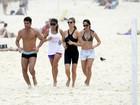 Fernanda Lima corre em praia e depois joga vôlei (e troca beijos) com Hilbert