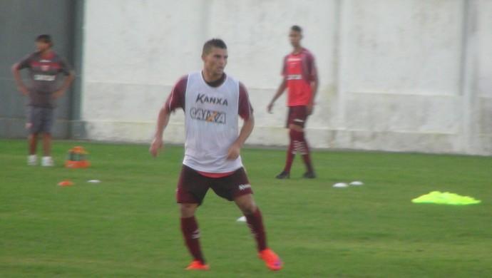 Maranhão, lateral-direito do CRB (Foto: Denison Roma / GloboEsporte.com)