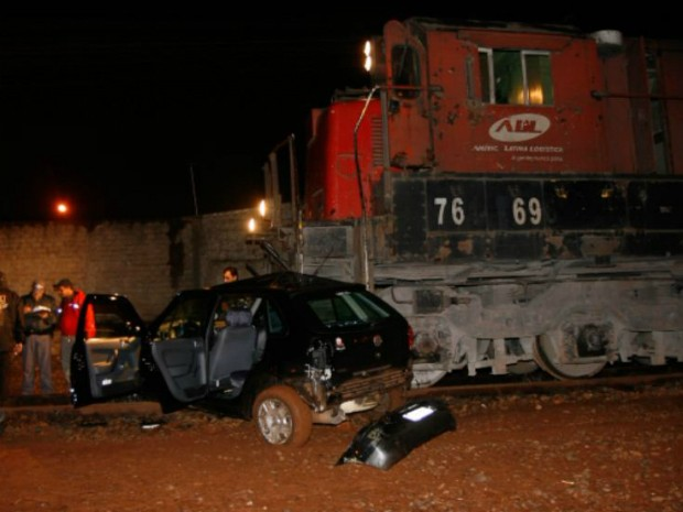 Motorista do veículo disse que não viu o trem por causa da chuva (Foto: Reprodução/EPTV)