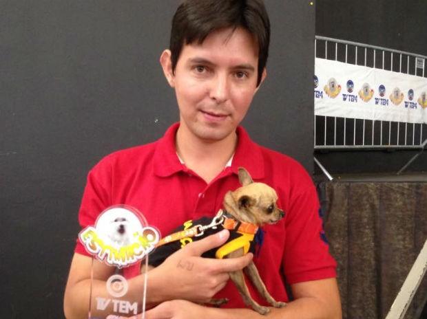 Pingo é tricampeão na categoria menor cão (Foto: Mayara Corrêa/G1)