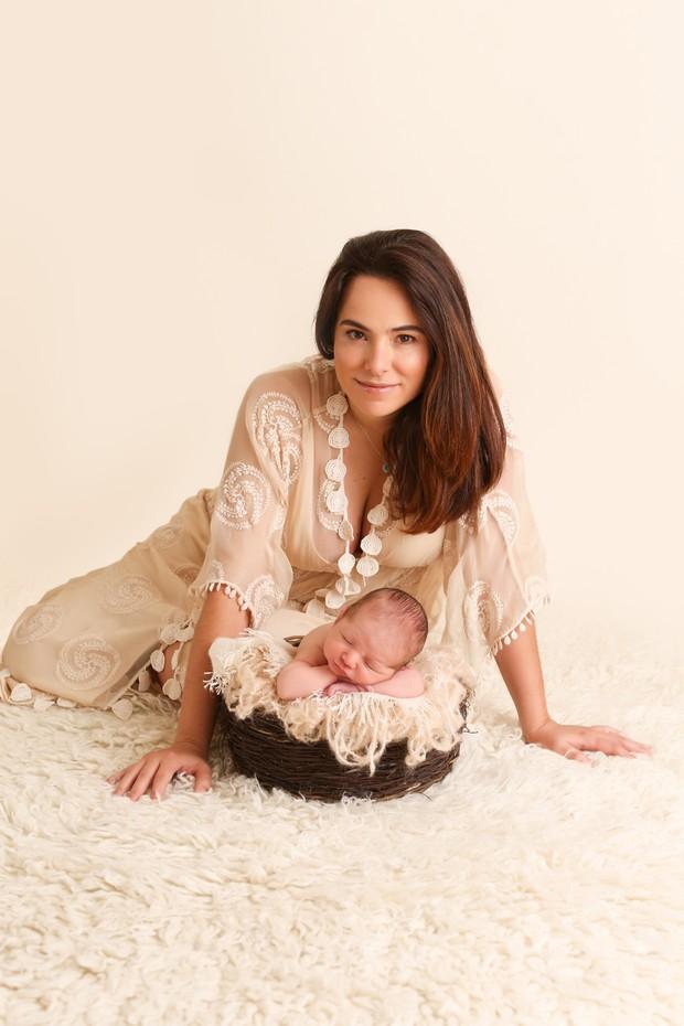 Cassia Linhares com o filho (Foto: Paula Massoni)
