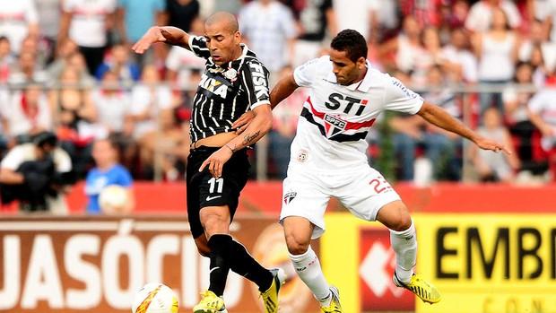 Emerson jogo Corinthians São Paulo Paulista (Foto: Marcos Ribolli / Globoesporte.com)