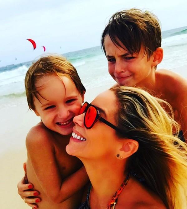 Danielle com os filhos (Foto: Reprodução/Instagram)