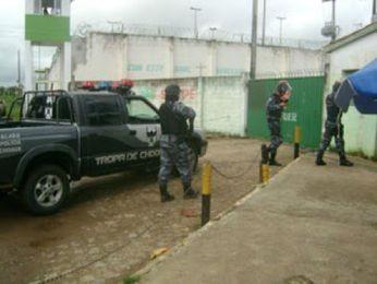 Presos fazem agente penitenciário e visitantes reféns em Glória, SE (Foto: Reprodução/Portal MaisGlória)