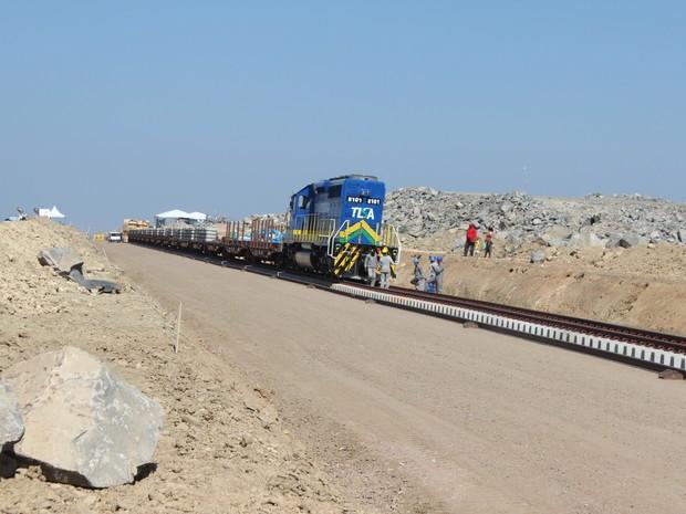 Trecho que passa pelo PI tem 423 km e já concluiu 52% das obras (Foto: Catarina Costa/G1)