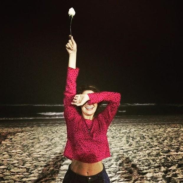 Fabíula Nascimento em praia na Zona Oeste do Rio (Foto: Instagram/ Reprodução)