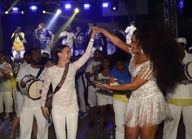 Natalie Portman foi ao ensaio da Unidos da Tijuca, Juliana Alves é a rainha de bateria da escola (Foto: Divulgação)