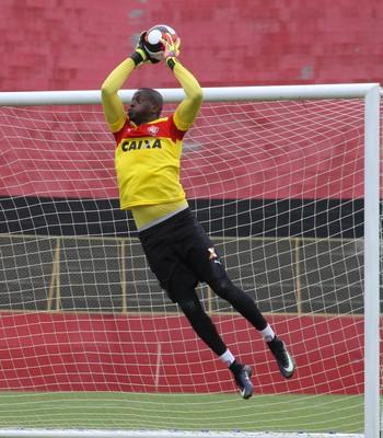 caíque  caíque vitória (Foto  Maurícia da Mata   EC Vitória   Divulgação) b62cff87506d6