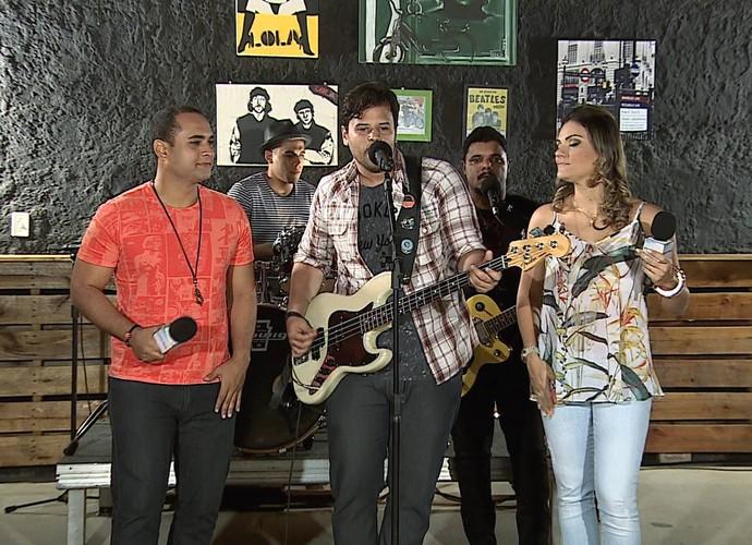 Banda Mantre lançou o CD neste sábado (Foto: Reprodução/TV Sergipe)