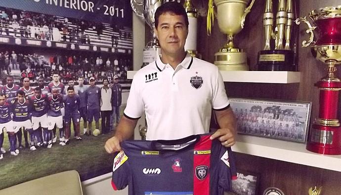 Rogério Perrô técnico Cianorte (Foto: Divulgação/Luis Martins Neto/Cianorte)