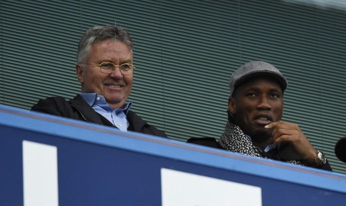 Hiddink Drogba CHelsea (Foto: Reuters)