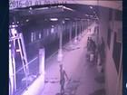 Criminosos armados são flagrados caminhando na Central do Brasil, Rio