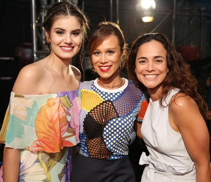 Camila Queiroz, Mariana Ximenes e Alice Braga  (Foto: Carol Caminha/Gshow)