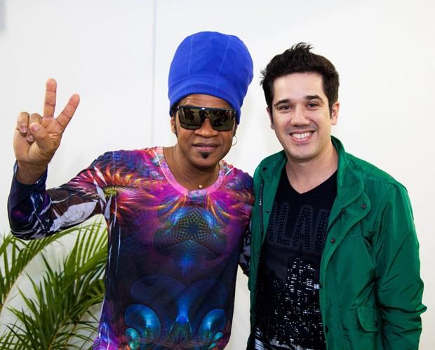 Carlinhos Brown e Rogério Flausino (Foto: Fabiano Battaglin/The Voice Brasil)