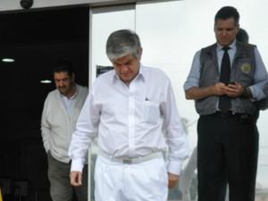 Adalberto Siufi deixa sede da PF, em Campo Grande (Foto: Tatiane Queiroz/G1 MS)