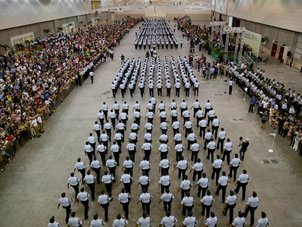 Promoções serão dadas para 573 PMs e 52 bombeiros militares do Ceará (Foto: Governo do Estado/Divulgação)