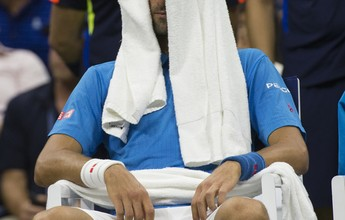Tcheco desiste, e Djokovic avança à terceira rodada sem precisar jogar