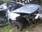 Motorista morre depois de bater com carro em árvore em Barra do Piraí, RJ