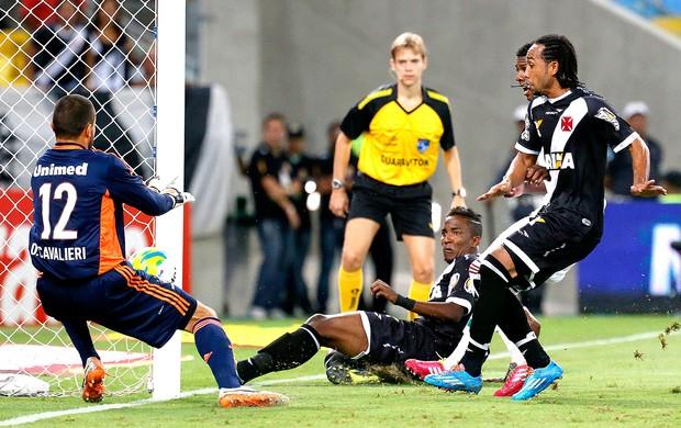 Thalles gol Vasco e Fluminense semifinal (Foto: Ivo Gonzalez / Agência O Globo)