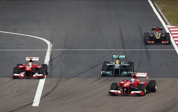 Felipe Massa ultrapassa Hamilton GP da China (Foto: Getty Images)