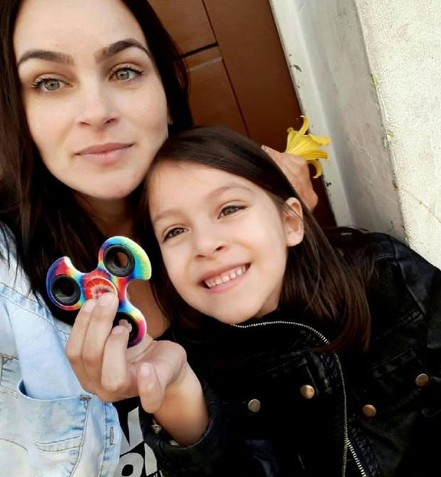 Rosana com a filha, Sarah (Foto: Reprodução - Facebook)