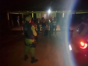 Polícia fez diligências à noite na região em busca dos suspeitos (Foto: Divulgação/Polícia Militar de Alenquer )