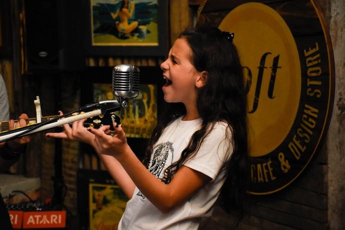 Valentina Francisco está entre as seis semifinalistas do The Voice Kids (Foto: Arquivo Pessoal)