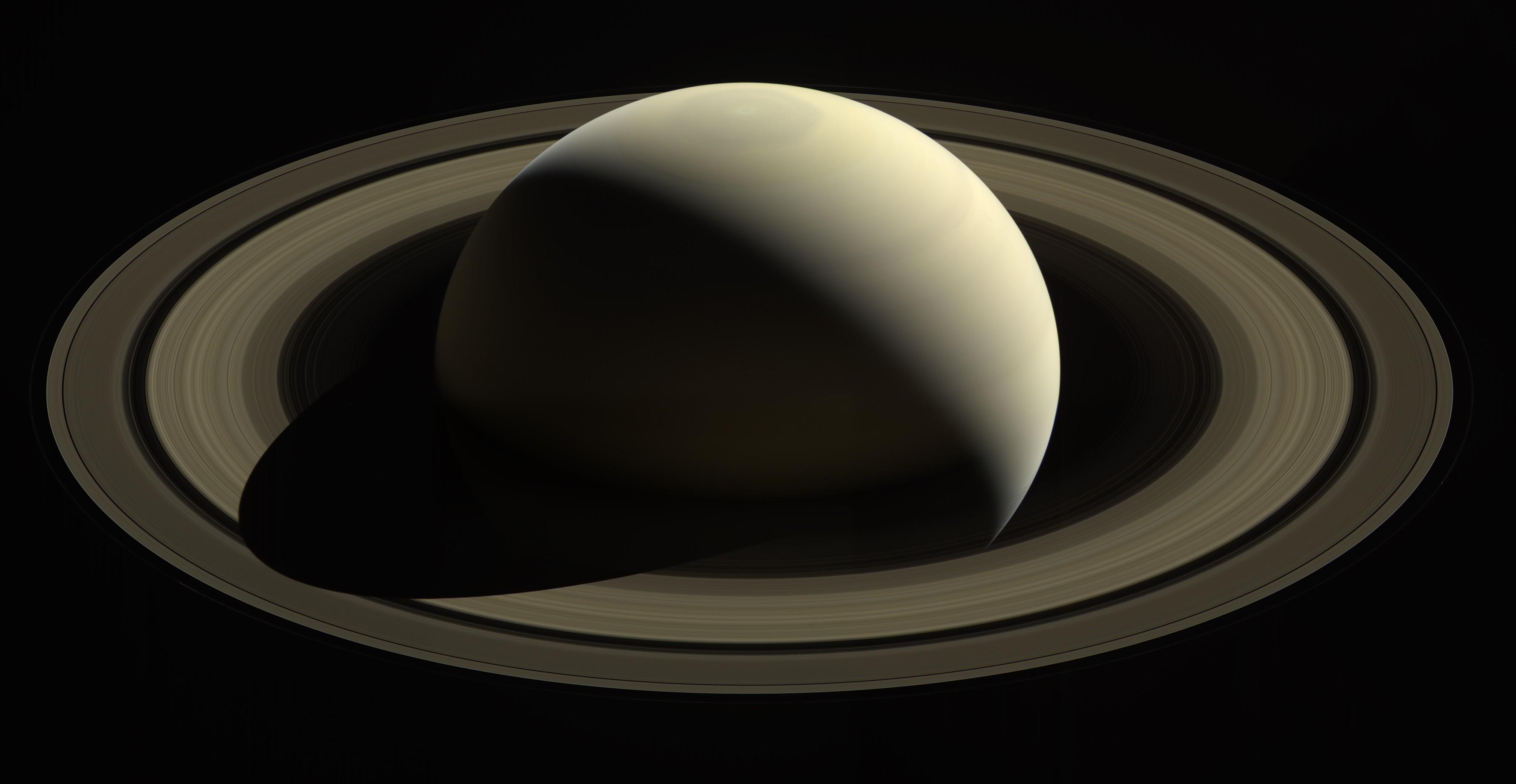Reprodução feita pela Nasa da captura de imagens de Saturno realizada pela sonda Cassini  (Foto: Divulgação/Nasa)