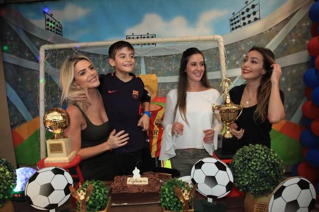 Mari Alexandre, Záion, Krizia e Tainá  (Foto: Marcos Ribas/Brazil News)