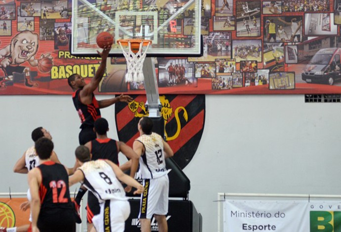 cristiano felicio basquete nbb Uberlândia x Flamengo (Foto: Divulgação/FIVBLNB)