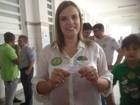 Cláudia Lelis vota em Palmas na manhã deste domingo