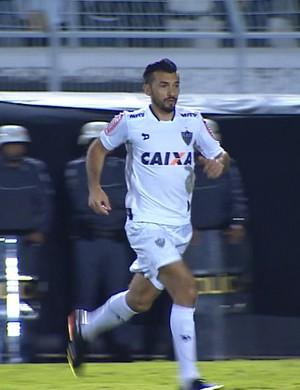 Dátolo entrou em campo no lugar de Rafael Carioca (Foto: Reprodução / SporTV)
