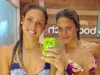 Bia e Branca Feres fazem selfie de biquíni: 'Sequinhas'