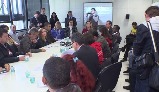 Reunião entre servidores e governo do estado define rumo da greve na rede estadual de ensino (Foto: Reprodução/RPC)